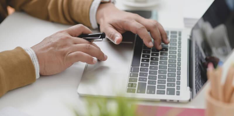 Onko uhkapelaaminen internetissä aina ongelmallista?